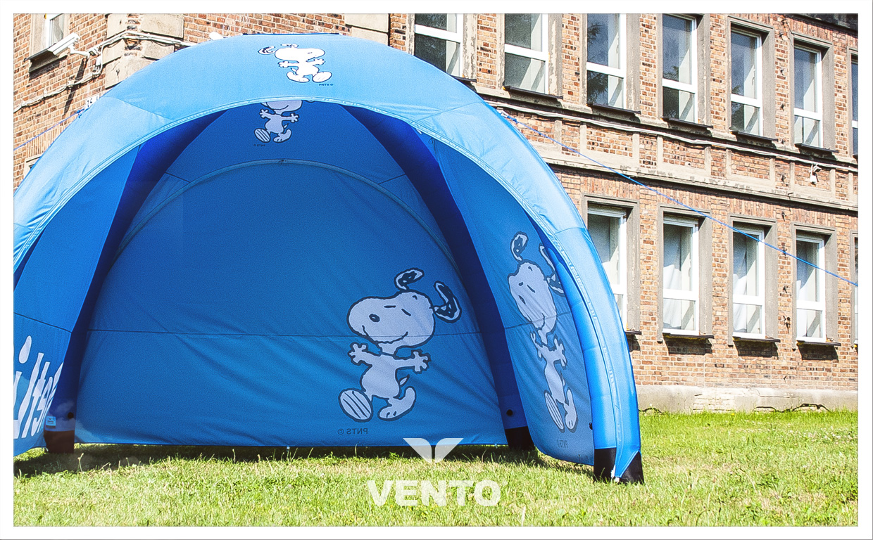 Blue, constant pressure tent for Metlife.