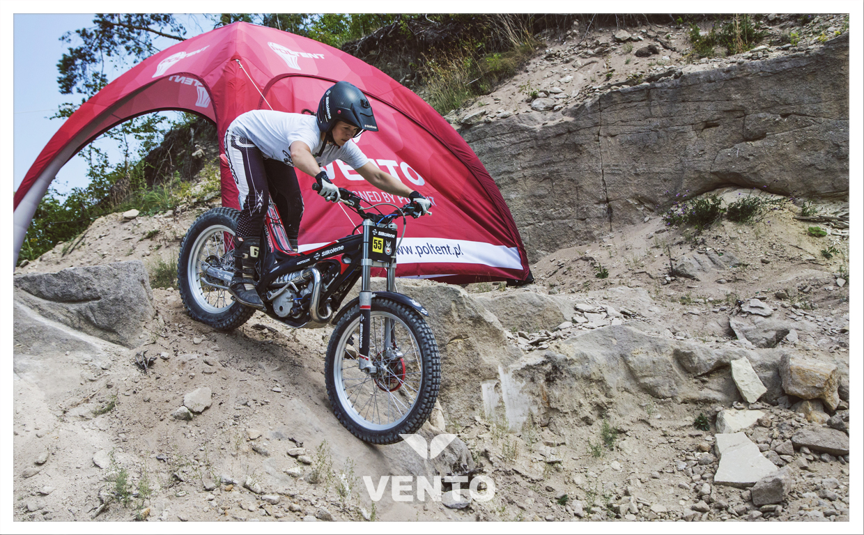 Constant pressure (air-tight) VENTO tent works excellent in difficult area.