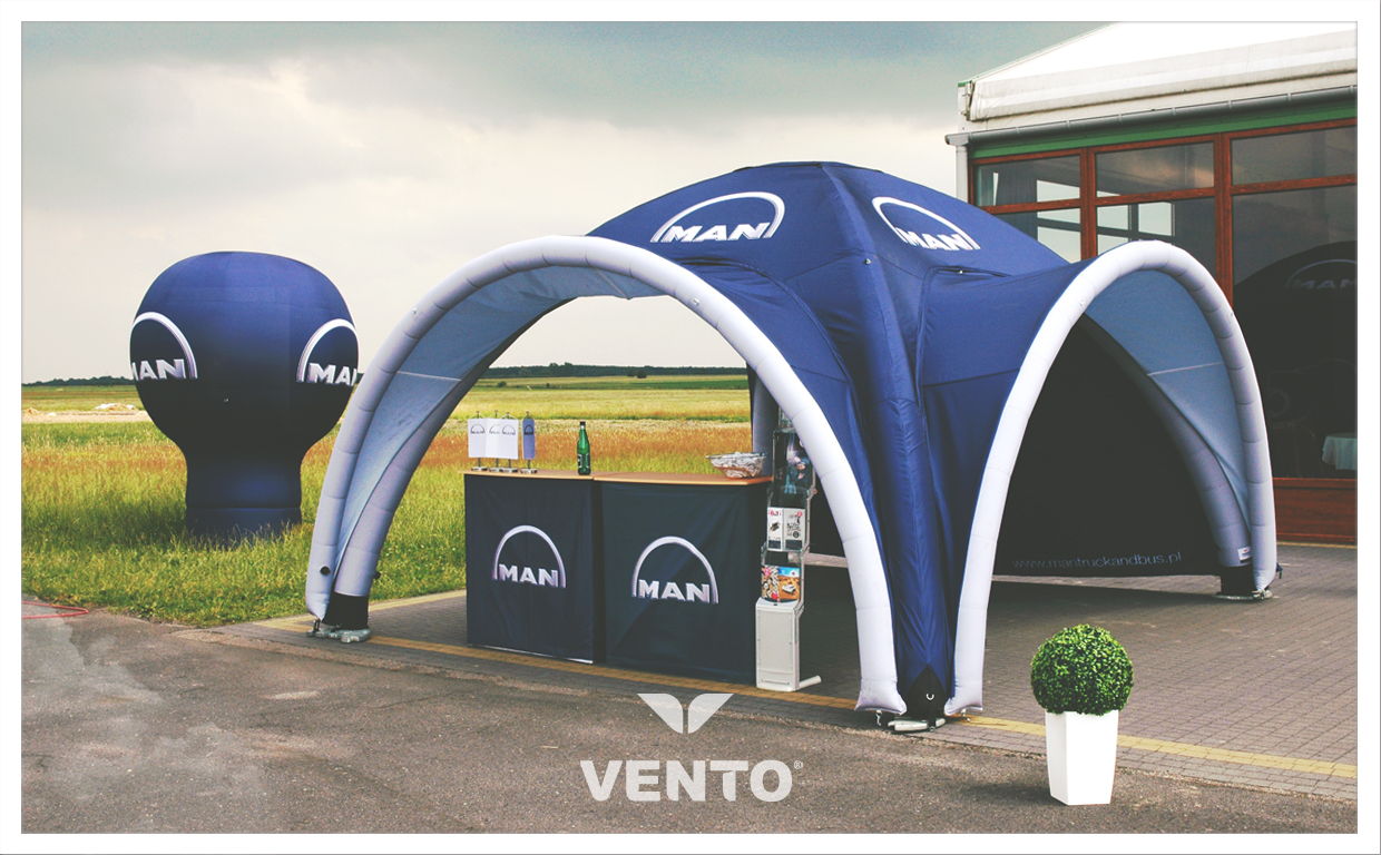 VENTO tent with additional roofing.