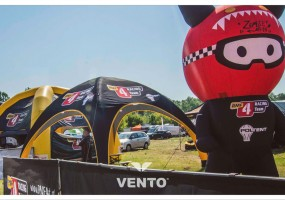 VENTO tent and customized balloon - RMF 4Racing Team mascot.