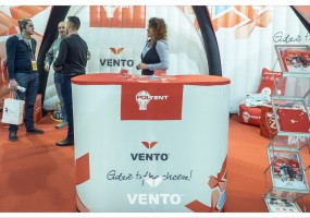 Promotion VENTO counter with exchangeable sheeting.